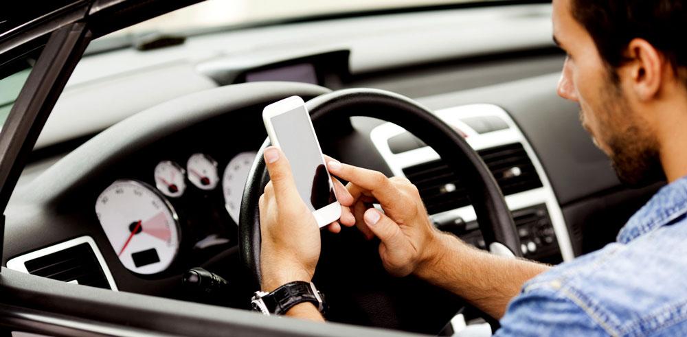 app iphone voiture Quelles applications choisir pour les trajets en voiture ?