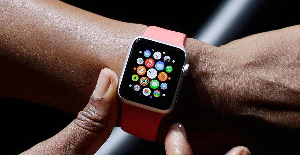 apple watch 4 Apple Watch : postez sur Facebook et Twitter avec DoublePost !