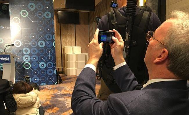 Eric Schmidt, à la tête d'Android, utilise un iPhone 6s