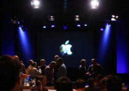 apple-macbook-event-20161027-7220