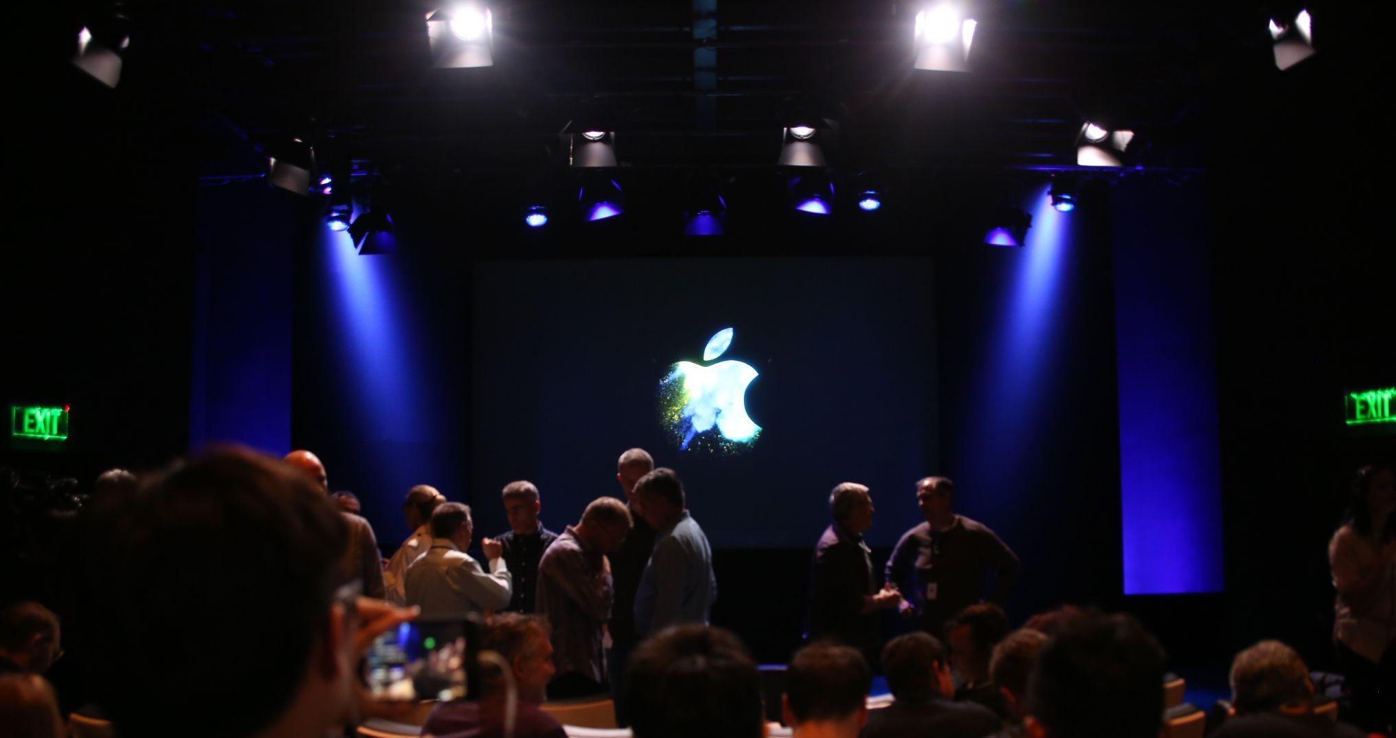 apple macbook event 20161027 7220 Bilan Keynote Hello Again : Apple TV, MacBook Pro (...)