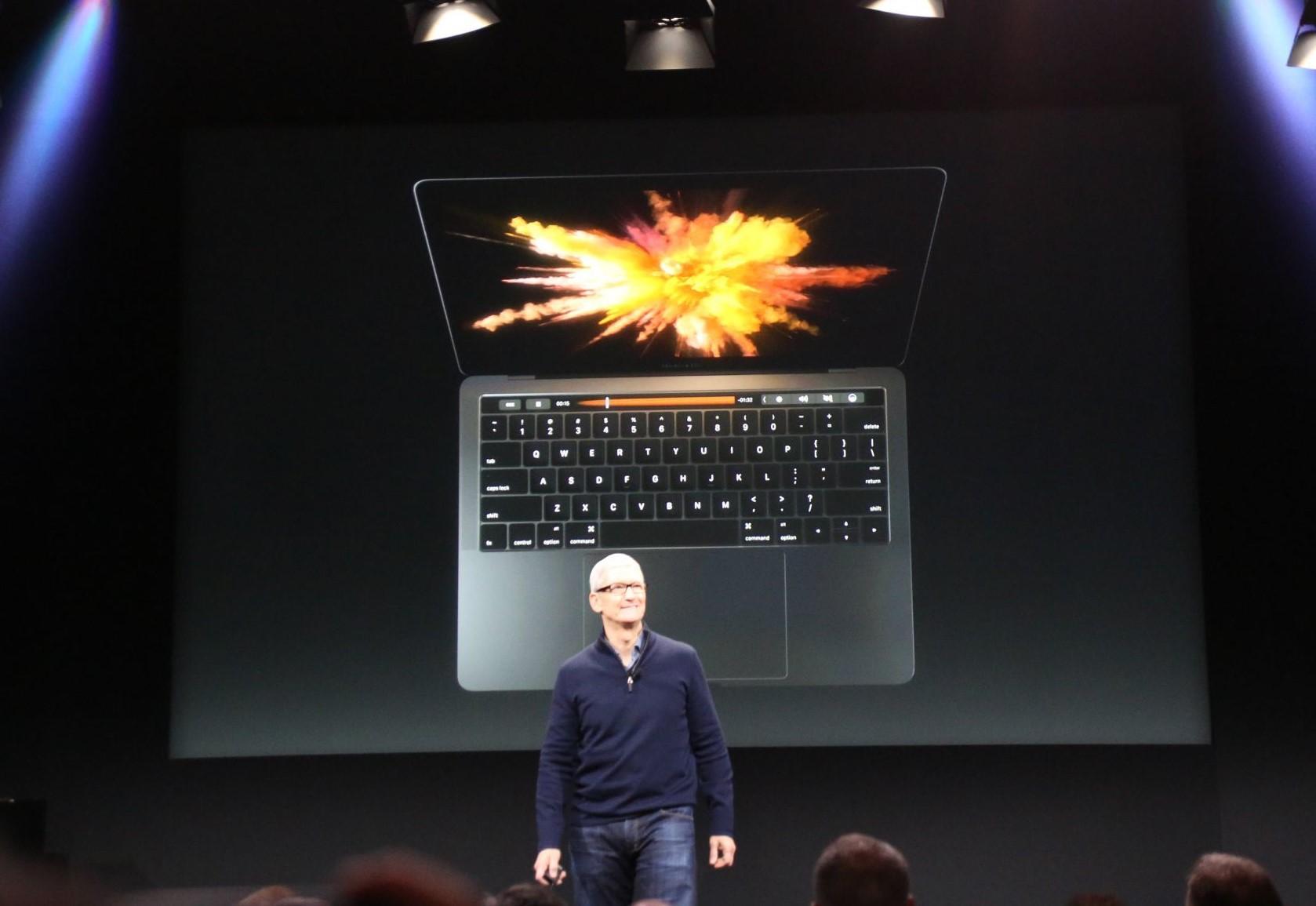apple macbook event 20161027 8014 Bilan Keynote Hello Again : Apple TV, MacBook Pro (...)