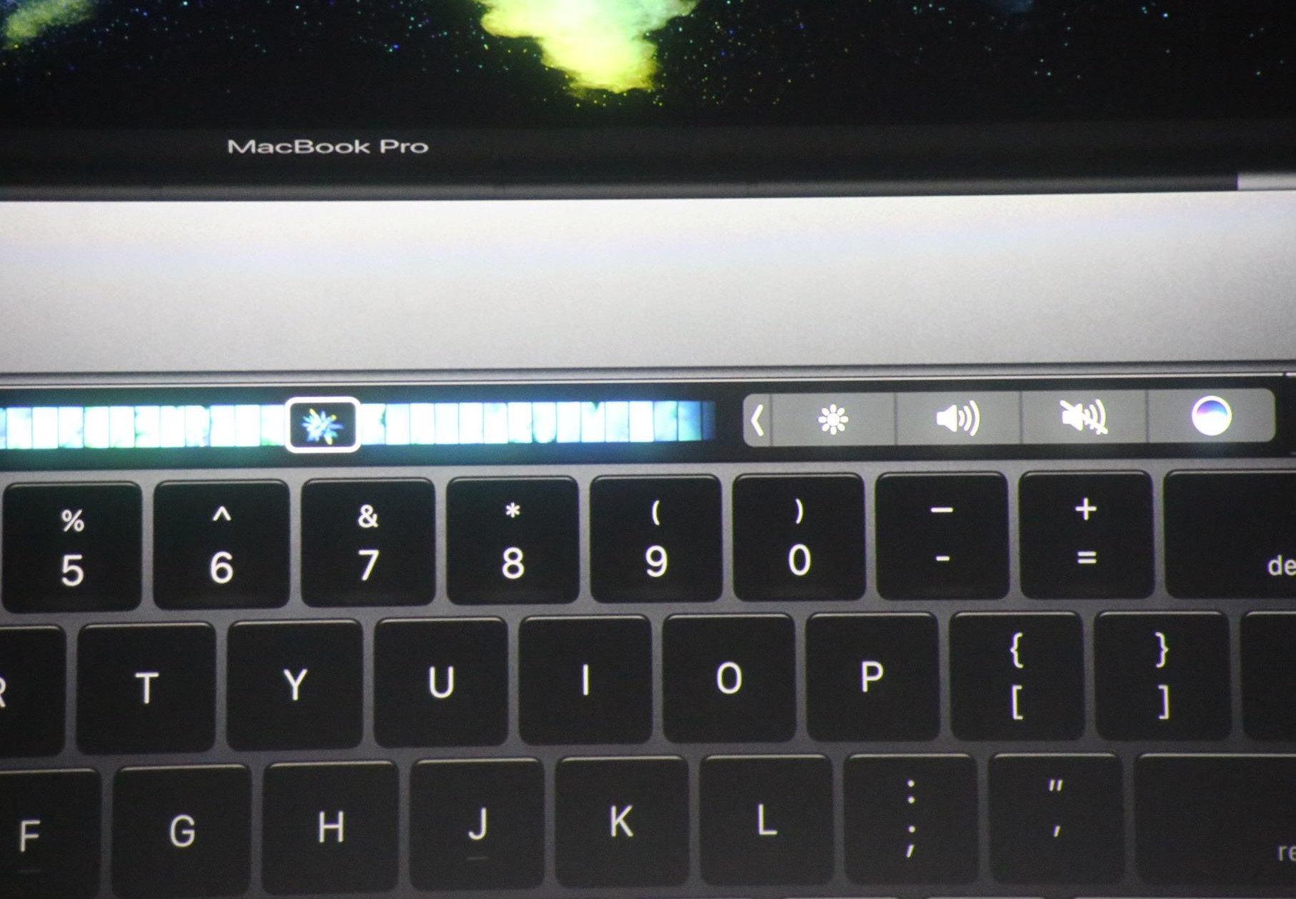 apple macbook event 20161027 8105 Bilan Keynote Hello Again : Apple TV, MacBook Pro (...)