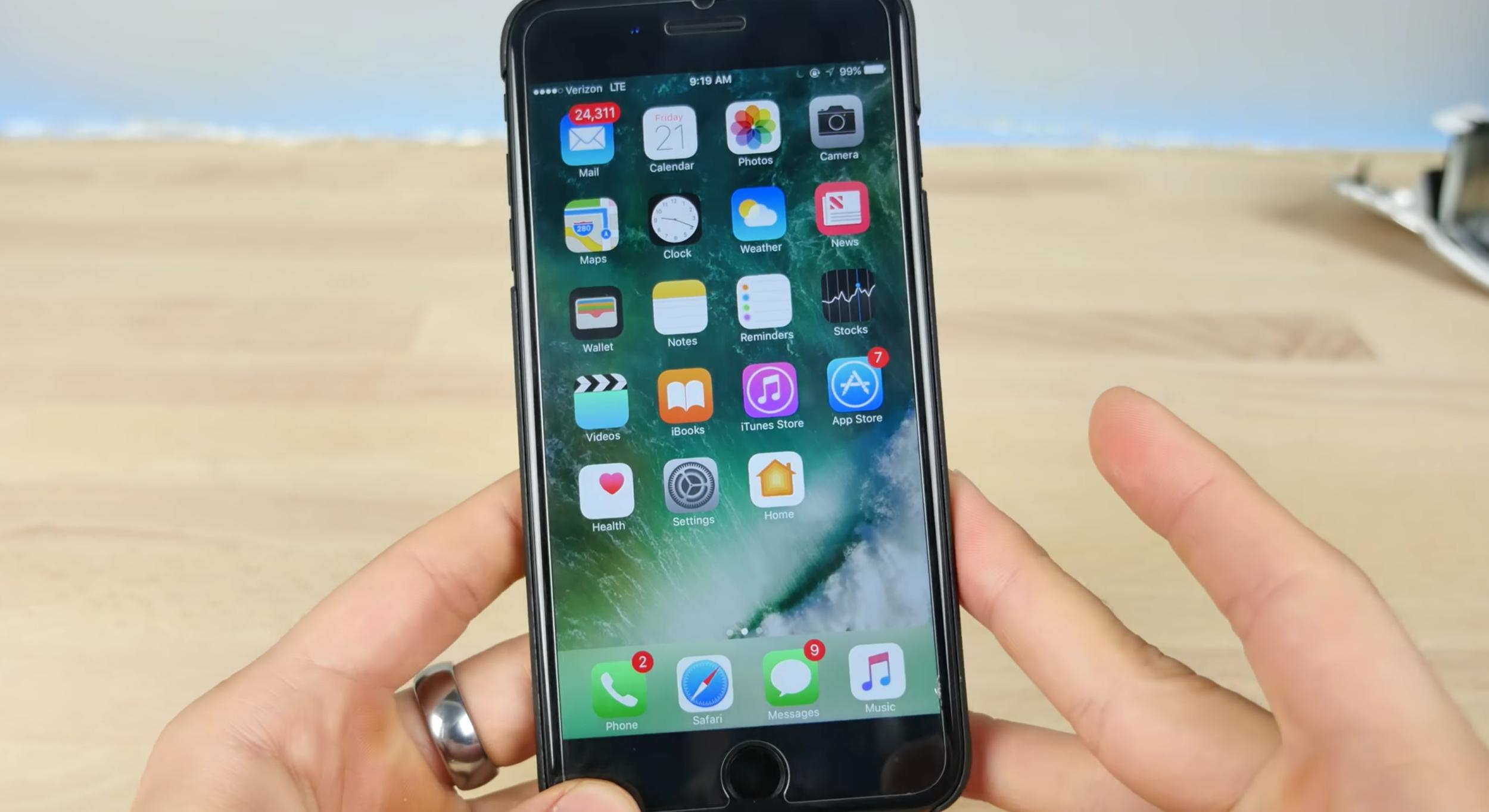 faille iOS 10 iOS 10 : accéder aux contacts et photos sans Touch ID ou mot de passe