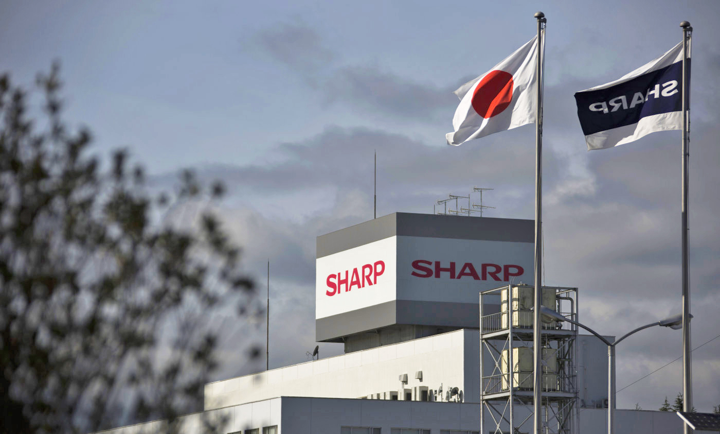 sharp Le CEO de Sharp confirme lécran OLED de liPhone 8