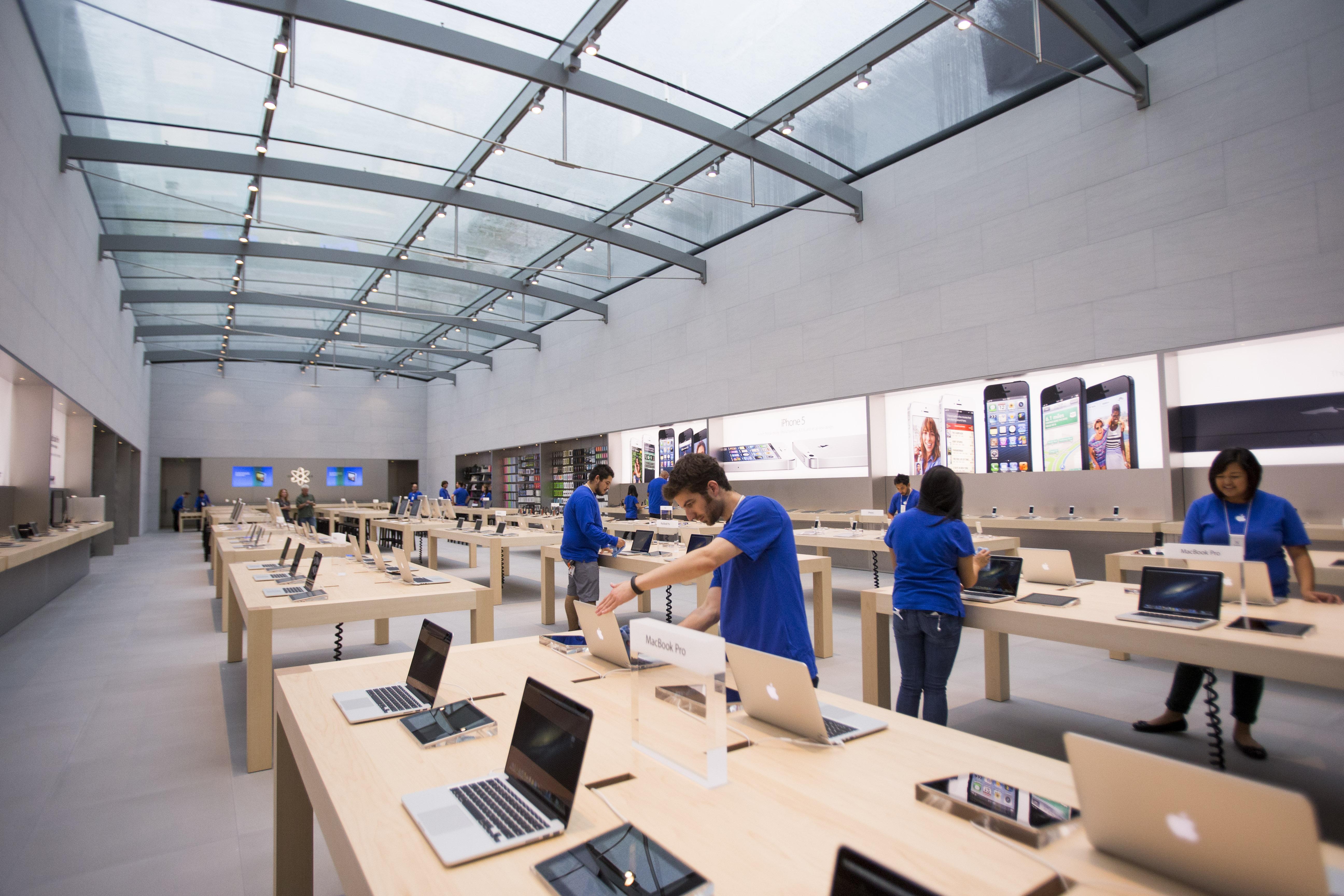 Alto Store Design Interior