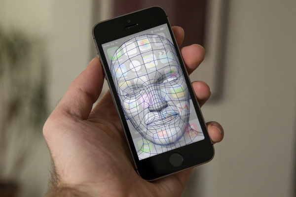iphone 8 face id iPhone 8 : reconnaissance faciale en un millionième de seconde