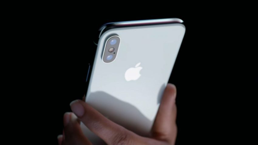 iPhone X Camera iOS 11 2 1 850x479 Apple publie une nouvelle vidéo pour vanter l'iPhone X et le mode Éclairage de portrait