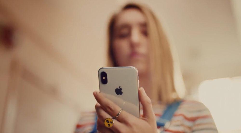 iPhone X Face ID Pub 1000x551 Une nouvelle publicité humoristique pour vanter Face ID sur iPhone X