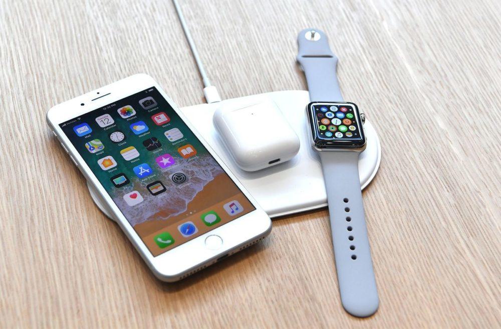 Apple AirPower iPhone 8 AirPods et Apple Watch 1000x656 La sortie du AirPower serait pour 2019, la production a débuté