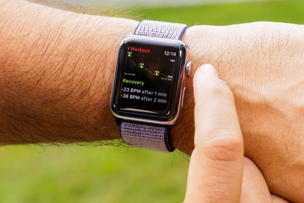 apple watch series 3 apple 1000x667 watchOS 5.1 peut bloquer votre Apple Watch : ne faites pas la mise à jour