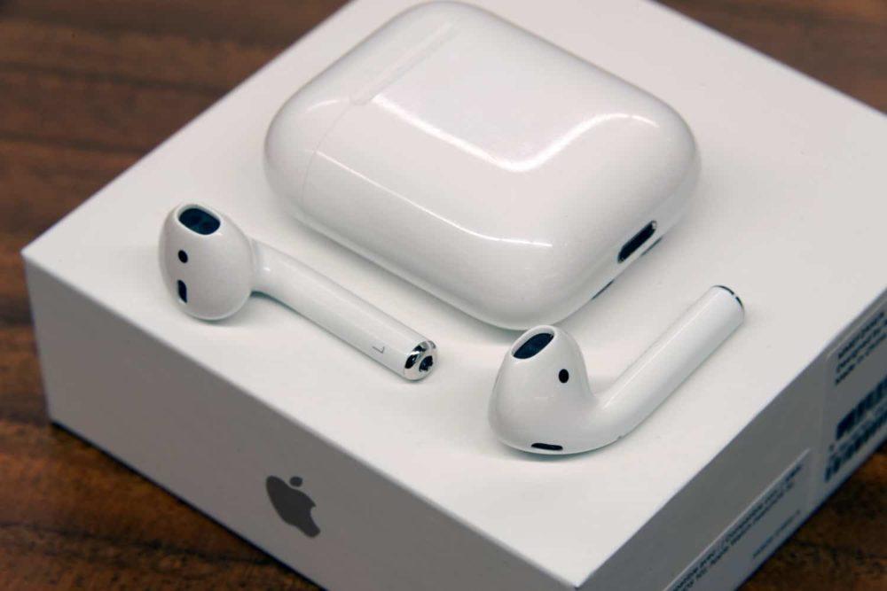 apple airpods boite 1000x667 Kuo : le boîtier de recharge sans fil des AirPods pour début 2019 et un nouveau design pour 2020