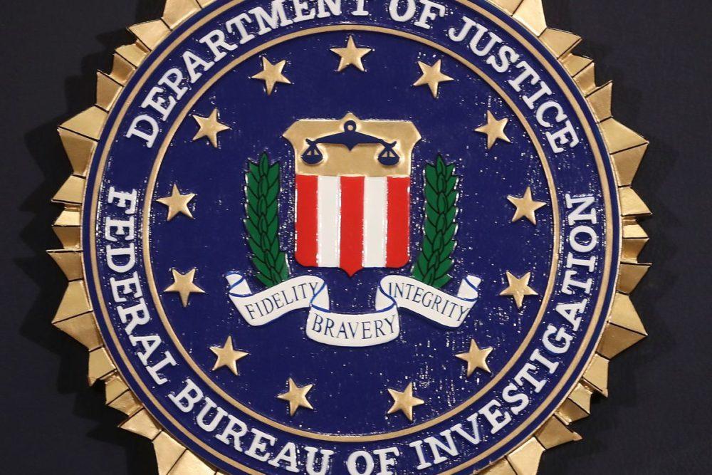 fbi smartphone chiffrement 1000x667 FBI : Les criminels ne doivent plus être protégés par le chiffrement de leur téléphone
