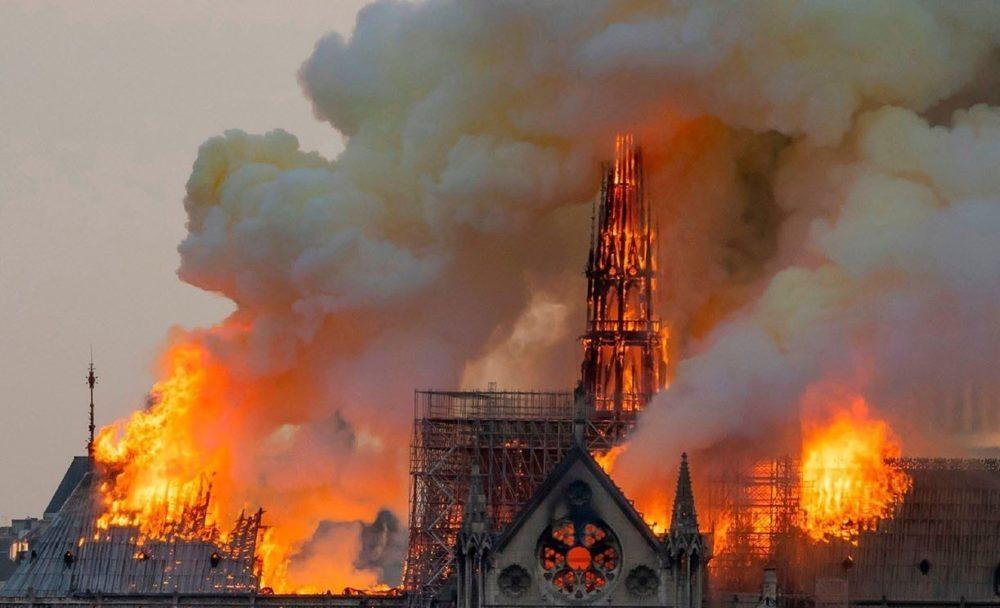 Apple Notre Dame De Paris 1000x608 Apple fera un don pour la reconstruction de la cathédrale de Notre Dame de Paris