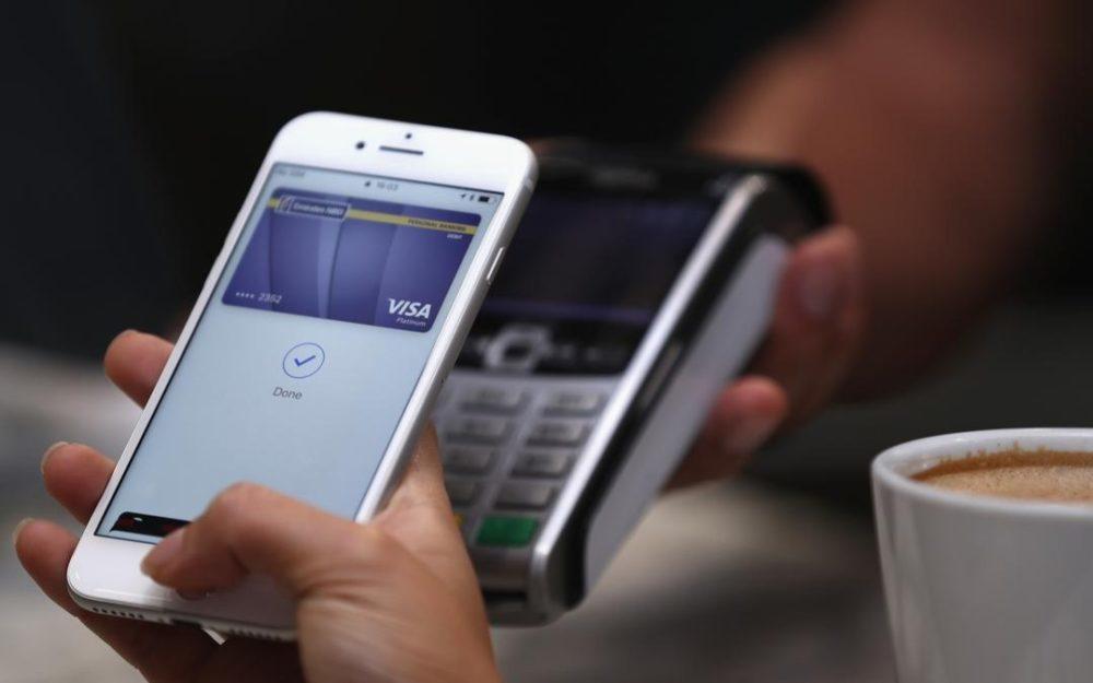 Apple Pay iPhone 1000x625 Apple Pay est désormais disponible en Islande