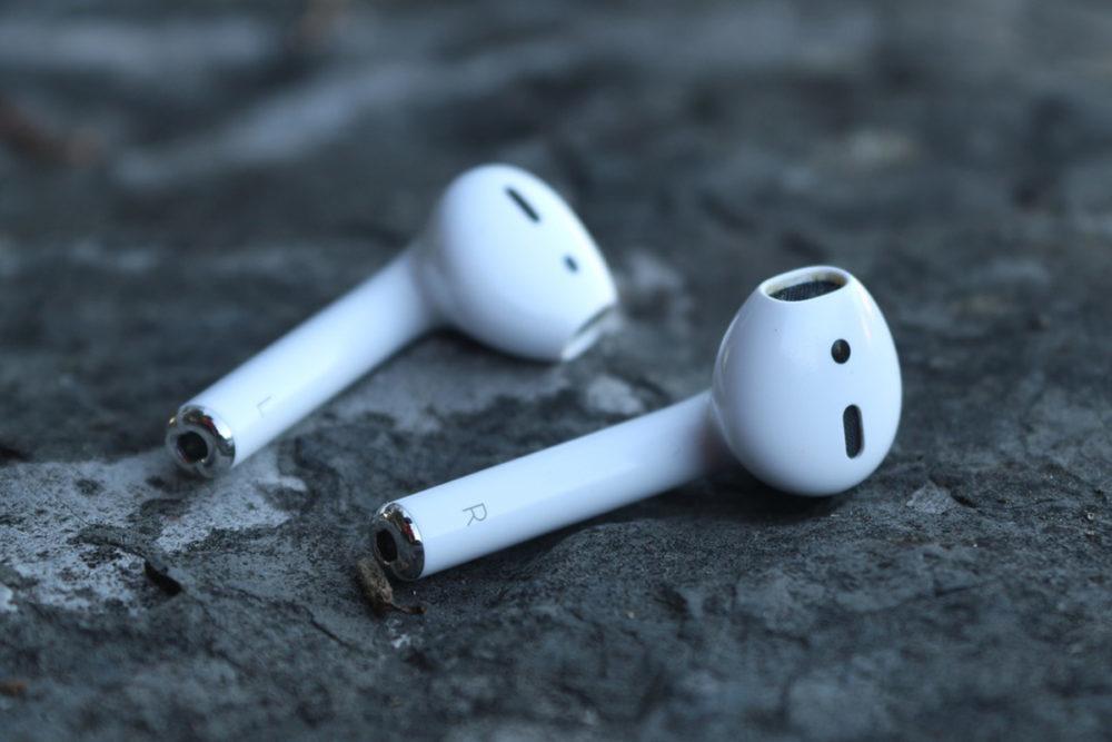 Apple AirPods 1000x667 Les AirPods ont permis à Apple de dominer le marché des écouteurs sans fil, mais la 2e génération laisse à désirer