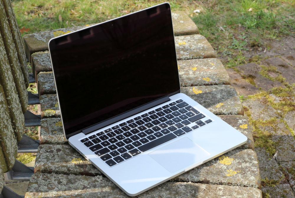 Apple MacBook Pro 15 Pouces 2015 1000x671 Les MacBook Pro ayant une batterie pouvant surchauffer sont interdits dans les avions