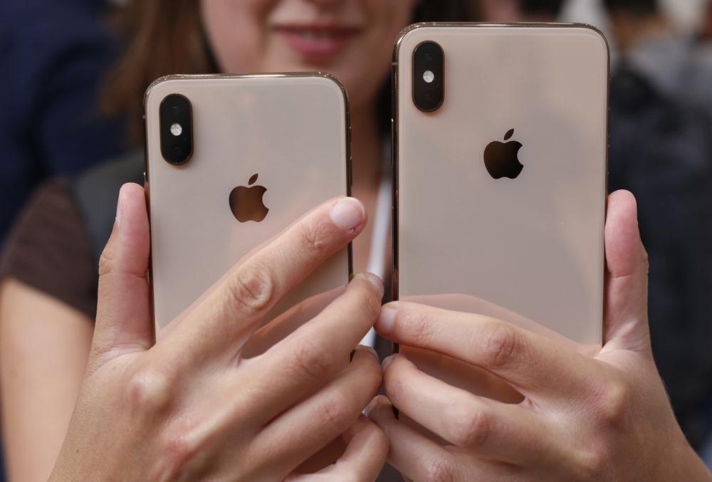 iPhone XS XS Max Prise en Main 1000x677 Les utilisateurs remplacent leur iPhone moins souvent en raison du manque dinnovation