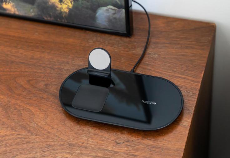 mophie 3 in 1 wireless charging pad equivalent airpower 4 Apple met en vente un équivalent du AirPower qui recharge jusquà 3 appareils à la fois