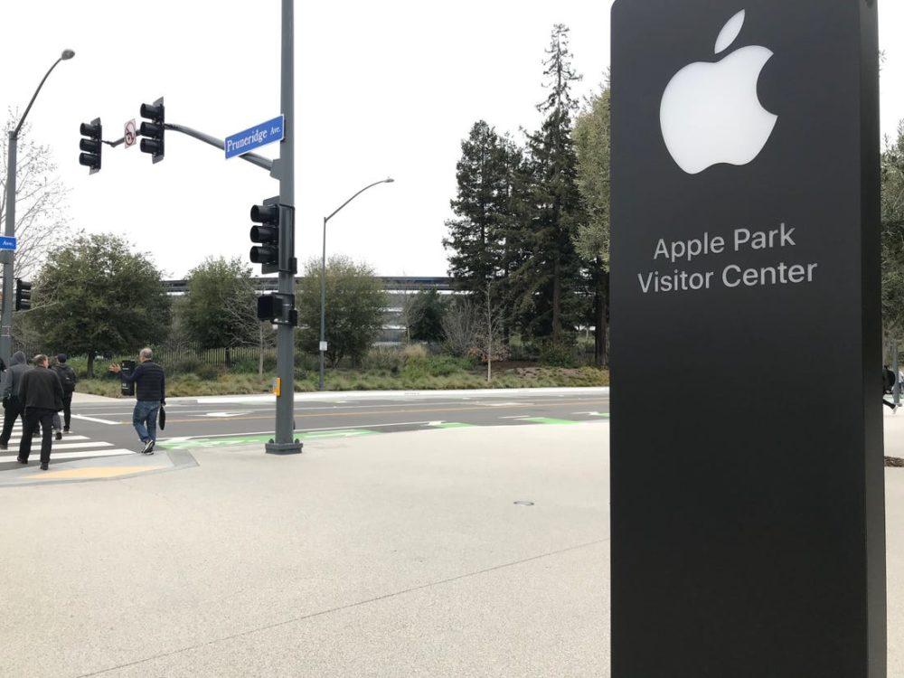 Apple Park Visiteurs Coronavirus : Tim Cook annonce quApple va faire un don à lItalie