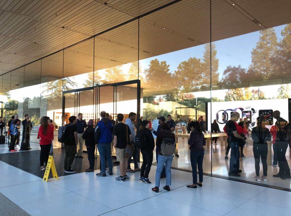 Apple Park Visitor Center Coronavirus : Apple recommande aux employés d'Apple Park de travailler à domicile