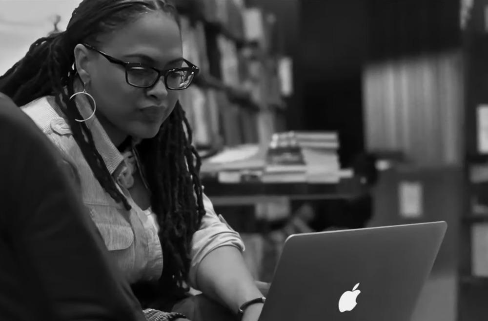 Derriere le Mac Apple Video 2020 Journee Mondiale Droits des Femmes Derrière le Mac : Apple publie une vidéo pour la Journée internationale des droits des femmes