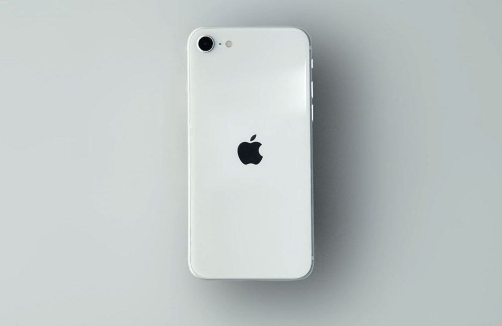 iPhone SE 2020 Blanc 1 Apple dévoile les prix de réparation de liPhone SE 2020