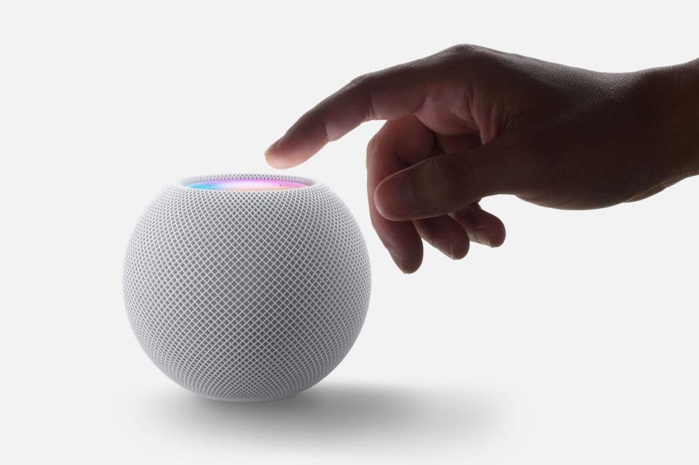 HomePod mini Mains HomePod mini : petit, mais super intelligent avec de nouvelles fonctionnalités Siri