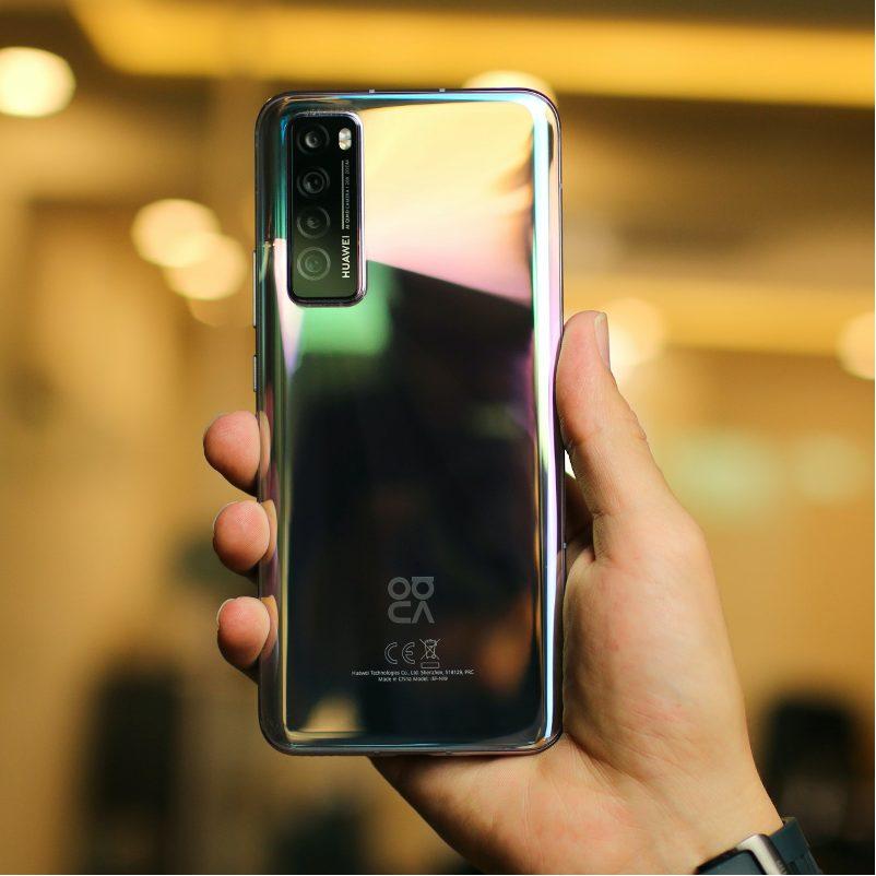 smartphone iPhone 12 : acheter maintenant ou attendre un peu?