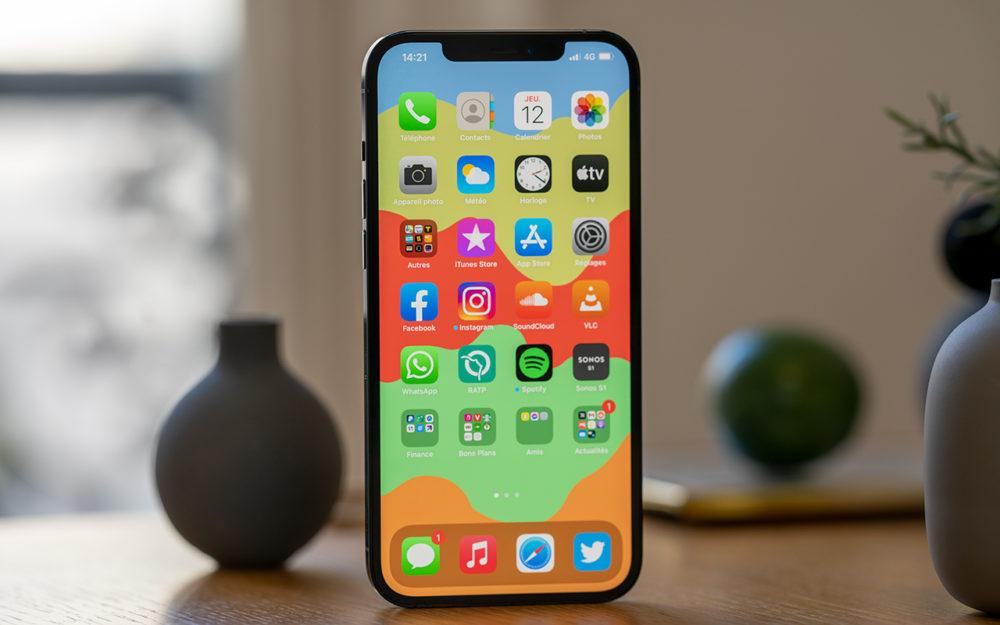 Apple iPhone 12 Pro Max Facade Avant LiPhone 12 Pro Max dispose du meilleur écran de smartphone, pour DisplayMate