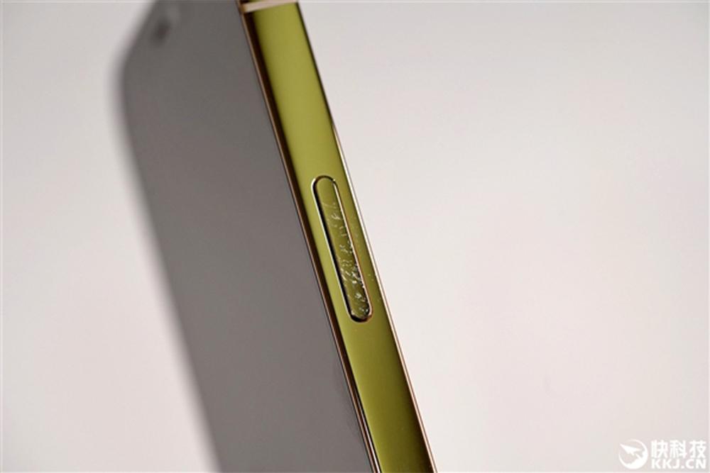 Apple iPhone 12 Tranches Abimees Les tranches de liPhone 12 peuvent facilement se dégrader