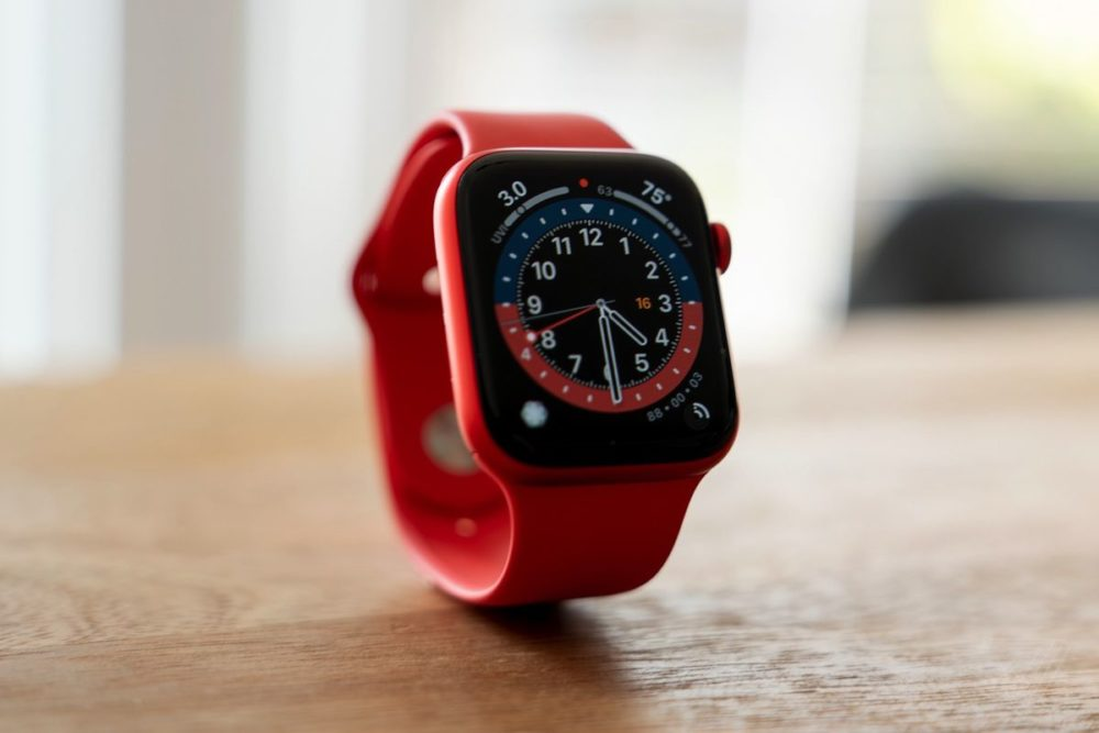 Apple Watch Series 6 Rouge watchOS 7.3.3 est disponible : Apple propose des correctifs de sécurité