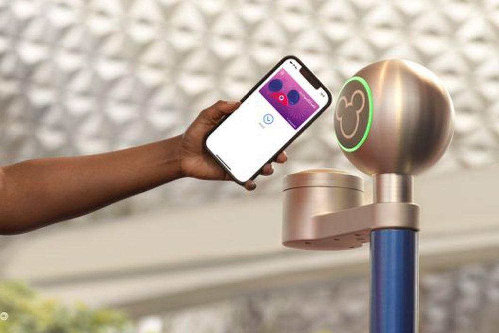Disney MagicMobile Pass Utiliser son iPhone et Apple Watch comme pass dans les parcs Disney bientôt possible