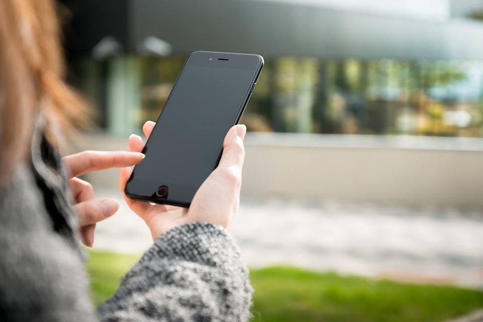 smartphone 2212963 960 720 Quelles sont les applis à toujours avoir sur son mobile ?