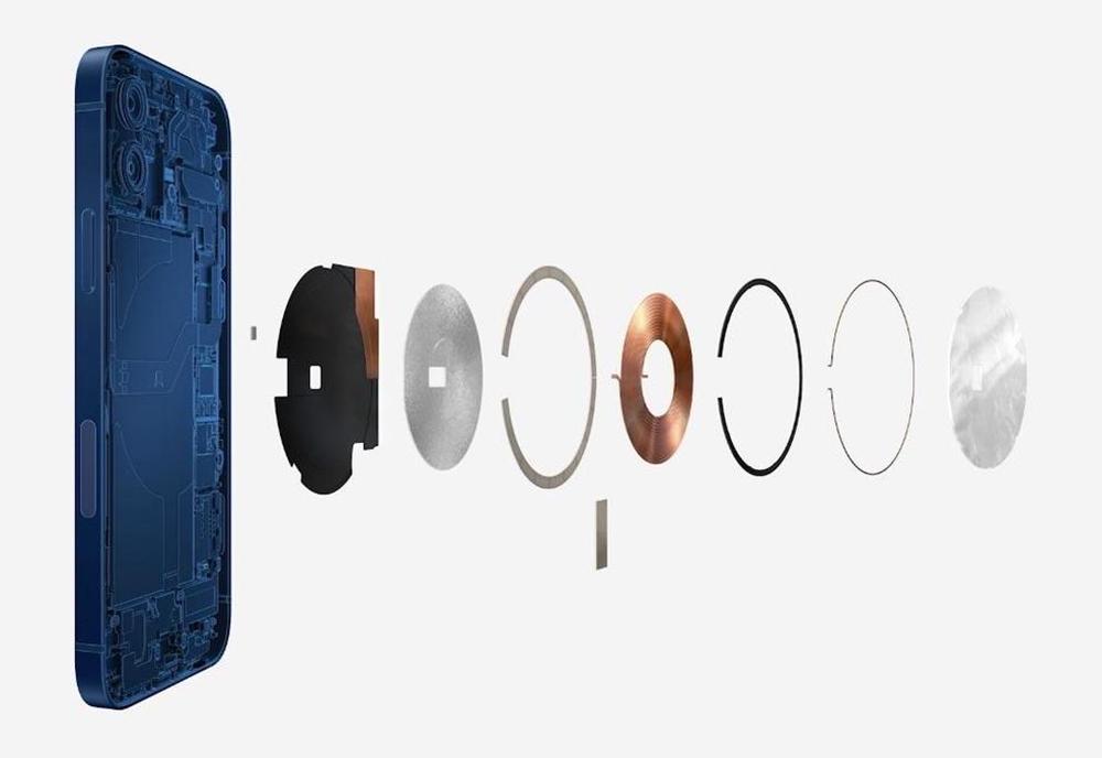 iPhone 12 MagSafe Les iPhone 13 auraient la recharge sans fil inversée et une plus grosse bobine